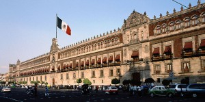 Mexicanos salen a elegir nuevo presidente