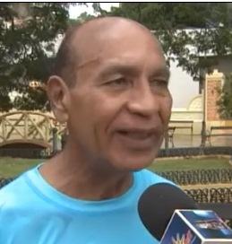 """Alcalde de Aguadilla tilda de """"enemigos políticos"""" a los que lo han criticado por comprar lujosa guagua"""
