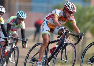 Rumbo al Senado proyecto de Rivera Guerra que cubriría ciclistas con seguro ACAA