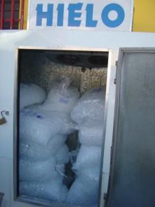 DACO y Salud realizan operativo para fiscalizar venta de hielo