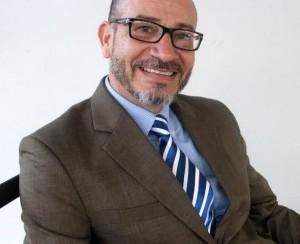 Catedrático del RUM Moisés Orengo nuevo rector en propiedad UPR Carolina