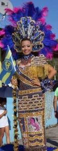Se le pierde el traje a la reina del Centenario de Guánica