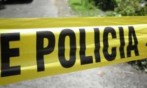 Grave conductor que estrelló su vehículo contra un árbol en Isabela