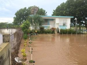 Municipio de Lajas atiende comunidades afectadas por lluvias del jueves