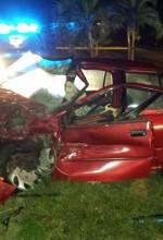 Las condiciones en que quedó el automóvil Isuzu, que conducía Tomás Villanueva Bonilla, quien murió el domingo en la madrugada en el sector El Palmar de Aguadilla (Foto por Rescate Cortés).