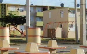 """Pillos """"mudan"""" familia en residencial Dr. Pila de Ponce"""