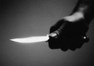 Médico acuchilla su exesposa en incidente de violencia doméstica en Rincón