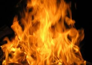Le pegan fuego a apartamento del residencial Agustín Stahl de Aguadilla