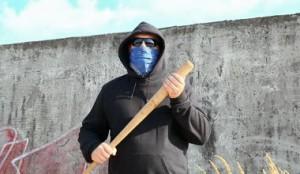 Atacan anciano a batazos frente a residencia de familiar en Mayagüez