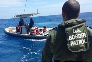 Interceptan embarcación con 11 indocumentados cerca de Rincón