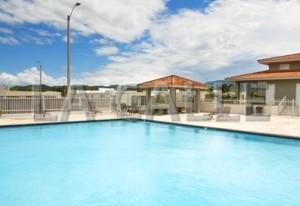 Identifican cadáver hallado en piscina de urbanización Quintas del Rey en San Germán