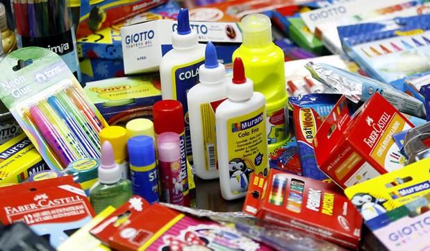 Hacienda anuncia periodo de venta de materiales escolares sin IVU (Archivo).