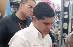 """Secretario DACO asegura ambiente del Viernes Negro ha sido """"ejemplar"""" y """"tranquilo"""""""