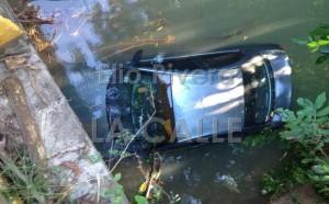 Automóvil cae en un río tras accidente en carretera 497 de San Sebastián