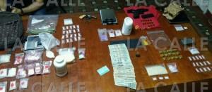 Arrestan sujeto y ocupan drogas durante allanamiento en Isabela