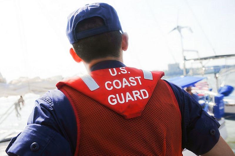 Personal de la Guardia Costera rescató al joven (Archivo).