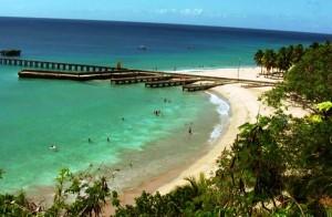 Bañista golpeada esta tarde por motora acuática en playa Crash Boat de Aguadilla