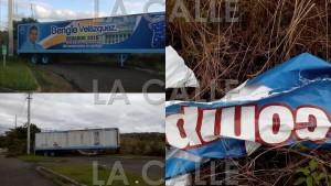 """Parte de la propaganda vandalizada en la carretera PR-111 en Moca. Haga """"click"""" sobre la imagen para ampliarla (Fotomontaje LA CALLE Digital)"""