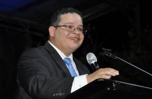 Dr. Víctor Ramos revalida como presidente del Colegio de Médicos con más del 70% de los votos