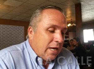 """Candidato a alcalde PNP de Cabo Rojo denuncia que flota municipal está """"manga por hombro"""""""