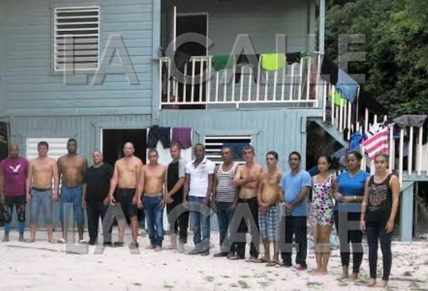 Un grupo como este, compuesto en su totalidad por inmigrantes cubanos, llegó a la Mona (Archivo).