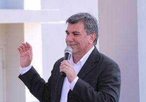 Alcalde de Isabela se opone a fumigación aérea con Naled en su municipio