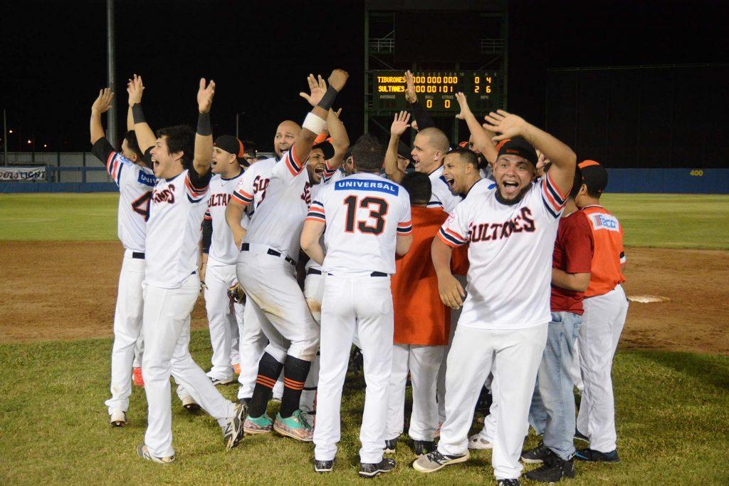 Los Sultanes de Mayagüez, campeones de la región Noroeste en el Béisbol Doble A (Foto por Angel Santiago - Sultanes de Mayagüez).