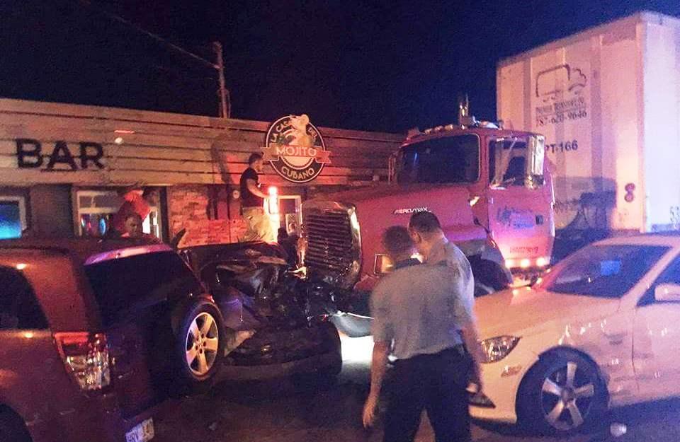 Escena del accidente ocurrido en Isabela (Suministrada).