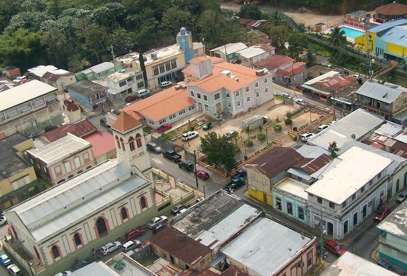 Vista aérea del centro del pueblo de Maricao (Suministrada).