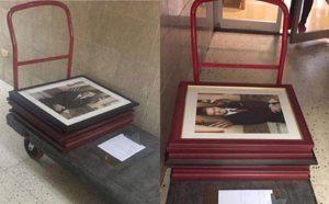 Recogen las fotos de García Padilla en las oficinas gubernamentales