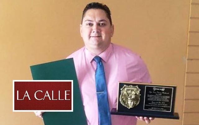 El agente Iván Plumey Maldonado, de la Oficina de Prensa de la Policía de Mayagüez, fue reconocido como uno de los valores del año en el área policíaca de Mayagüez (Suministrada).