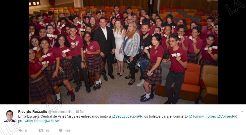 """""""Tuit"""" del gobernador Ricardo Rosselló anunciando la entrega de los boletos (Captura de pantalla. Twitter)."""
