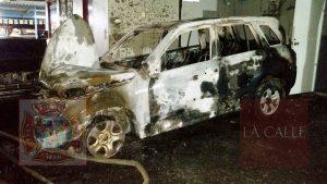 """Mano criminal en incendio de esta madrugada en """"dealer"""" de carros de Aguada"""