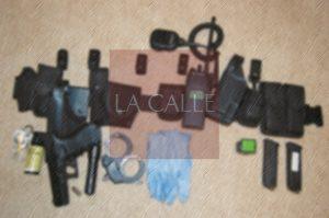 Le roban arma y equipo a policía que vive en residencial Roosevelt de Mayagüez