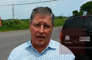 Luego de que le dejaran basura en la Casa Alcaldía… Alcalde de Cabo Rojo amenaza con multas estatales
