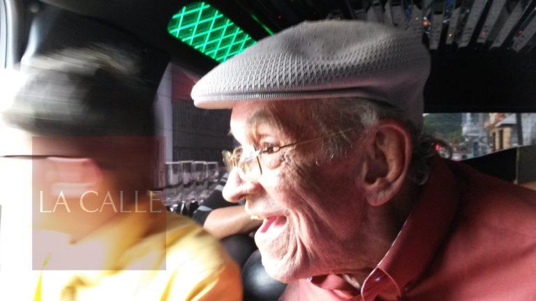 No escondió su felicidad cuando fue homenajeado en Mayagüez.