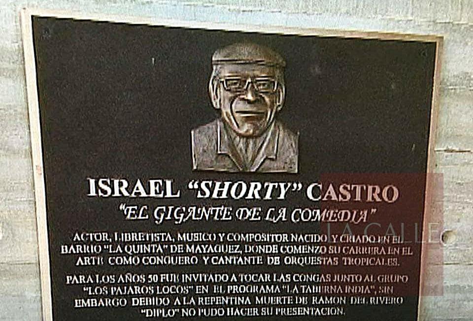 Esta es la tarja en honor a Shorty Castro, hurtada del lugar donde estaba instalada en el Paseo del Litoral que lleva su nombre (Fuente/Facebook).