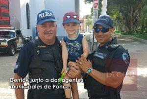 Le enseña a su hijo a no odiar a la Policía