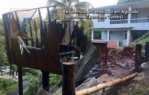 Fuego destruye residencia de madera en el barrio Piedras Blancas de Aguada