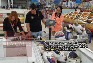 DACO supervisa las ventas de Acción de Gracias (Fotos)