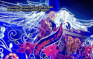 """Encienden """"con planta"""" decoración navideña en la Alcaldía de Mayagüez"""
