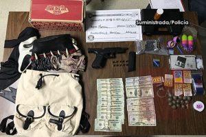 Ocupan arma y dinero durante allanamiento en residencia de Reparto Universidad en San Germán