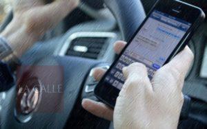 Policía reactiva campaña de multas contra los que guíen usando el celular