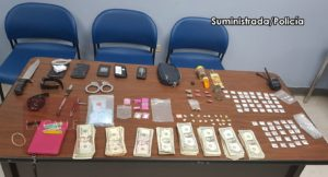 Arrestan 3 sujetos y ocupan drogas tras asesinatos ocurridos en el residencial Roosevelt