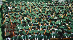 """#GradRUM2018: No la hicieron en el parking de """"Área Blanca""""… RUM celebra su centésima quinta graduación"""