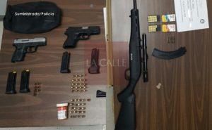 Arrestan pareja que supuestamente les facilitaba armas a delincuentes en Mayagüez