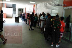 """Alegan que Centro de Servicios 360 de Mayagüez sigue con las mismas costumbres de la Colecturía """"vieja"""" (Fotos)"""