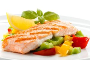 Comer pescado puede ayudar a las mujeres a reducir el riesgo de tener un bebé prematuro
